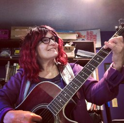 Singer Songwriter Julie Kinscheck Livestream