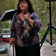 CINDY SINGING 2016 PINE VALLEY AMPITHEATER.jpg